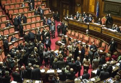 DIETRO LE QUINTE/ Legge elettorale, il Nazareno anti-M5s che fa vincere Grillo