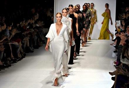 SETTIMANA DELLA MODA 2014/ Milano, si inizia oggi con la Vogue Fashion Night: gli eventi in programma