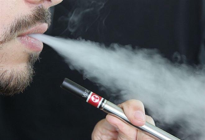 Esplode sigaretta elettronica, morto