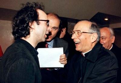 il cardinale Silvano Piovanelli con Roberto Benigni