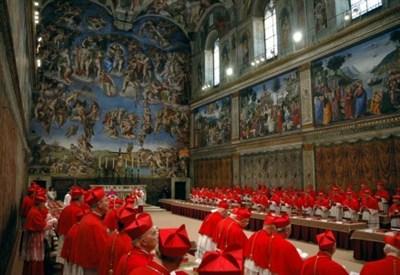 I cardinali nella Cappella Sistina (InfoPhoto)