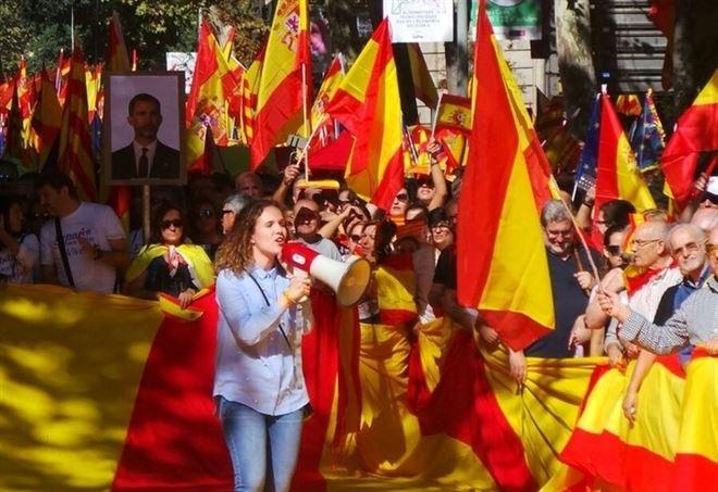 Unionisti in piazza ieri a Barcellona (Foto di Edgardo Leoni)