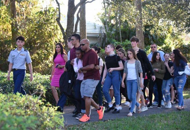 Sparatoria in Florida, strage di studenti a Parkland (LaPresse)