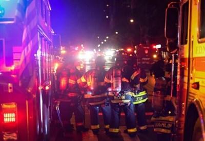 Pompieri e forze di polizia a NY dopo l'esplosione (LaPresse)