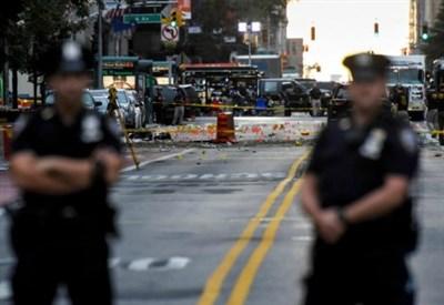 Poliziotti a New York (LaPresse)