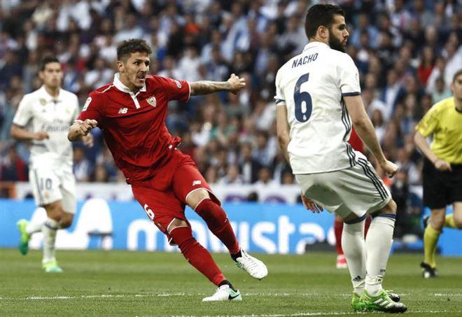 Inter, telefonata al Wolfsburg per Luiz Gustavo: i tedeschi chiedono 8-9 milioni