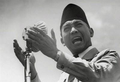 Sukarno dichiara l'indipendenza dell'Indonesia