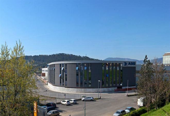 Lo stabilimento della Asg Superconductors di La Spezia dove è