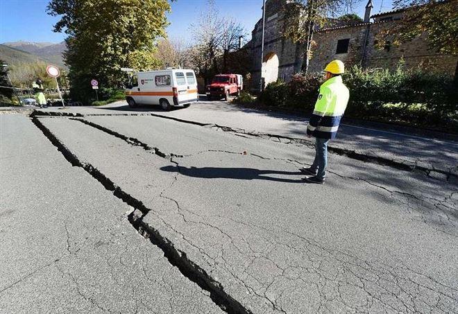 Terremoto e Meteo (Immagine d'archivio)