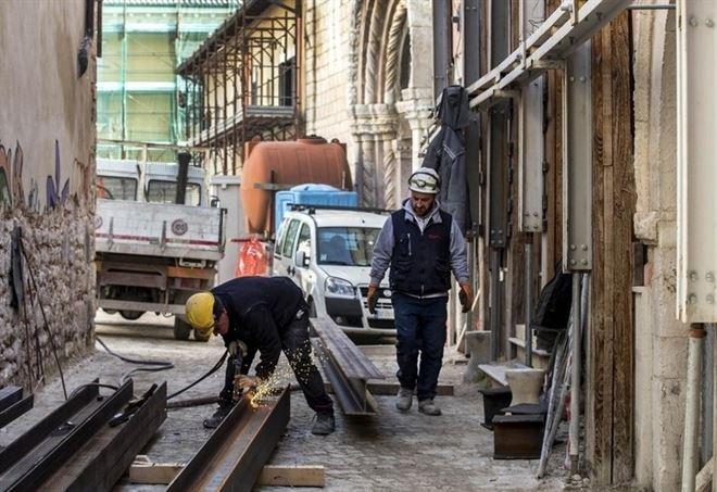 Ricostruzione nelle zone colpite dal terremoto (LaPresse)