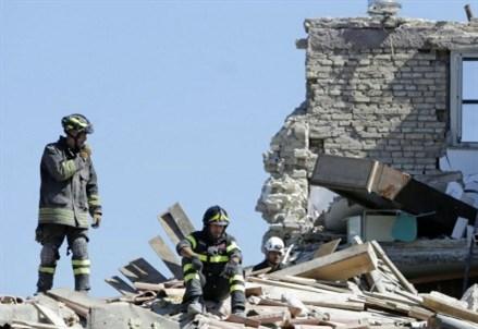 TERREMOTO/ Cialente (sindaco L'Aquila): emergenza e ricostruzione, tre errori da evitare