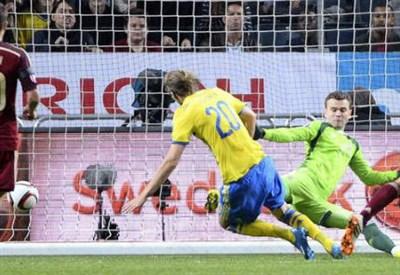 Il gol del pareggio svedese ad opera di Ola Toivonen, 28 anni (dall'account Twitter ufficiale @FIFAcom)