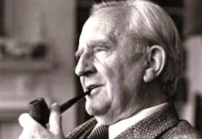 John Ronald Reuel Tolkien (1892-1973) (Immagine d'archivio)