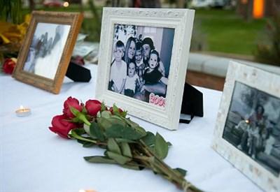 La tomba della famiglia suicida