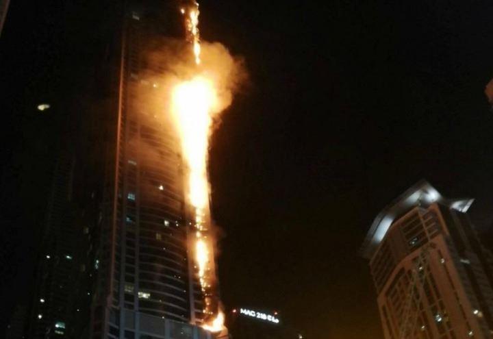 Incendio torch tower video dubai fuoco nella torre di for Piani di cabina della torre di fuoco