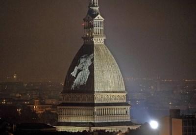 La Mole antonelliana a Torino (Infophoto)
