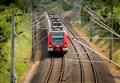 Eurocity urta un mezzo, altro incidente ferroviario in Piemonte/ Interrotta linea internazionale del Sempione