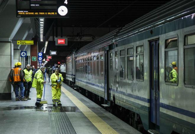 Torino 15enne morta sotto il treno probabile suicidio - Orari treni milano torino porta susa ...