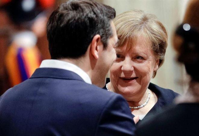 Angela Merkel e Alexis Tsipras (Lapresse)