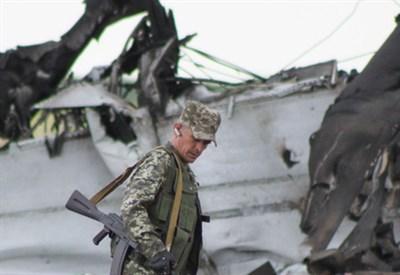 Ucraina orientale. Sul luogo del disastro (Infophoto)