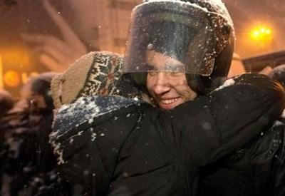 Le proteste a Kiev (Infophoto)
