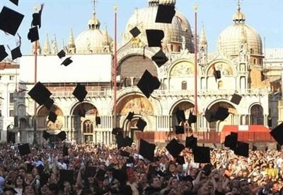 Consegna delle lauree agli studenti dell'Università Ca' Foscari, Venezia (InfoPhoto)