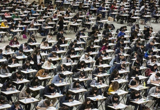 Università gratis per gli studenti a basso reddito e in corso