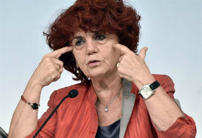 Contratti statali, Ministro Valeria Fedeli (LaPresse)