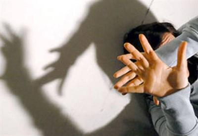 17enne violentata a Piacenza