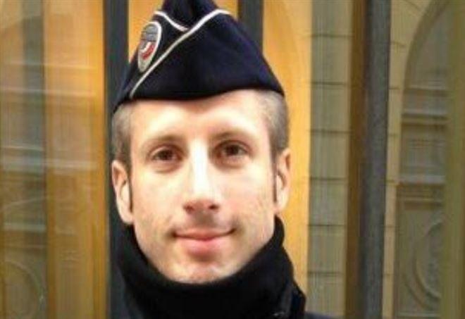 Xavier Jugelé, il poliziotto nell'attentato a Parigi
