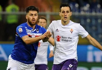 Il bosniaco della Sampdoria Ervin Zukanovic (sinistra), 28 anni e il croato della Fiorentina Nikola Kalinic, 27 (INFOPHOTO)
