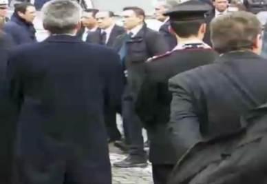 Berlusconi fischiato a Santa Maria degli Angeli