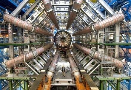 L'acceleratore di particelle Lhc del Cern (LaPresse)