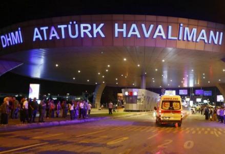 Attentato all'eroporto Ataturk di Istanbul (lapresse)