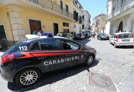 Carabinieri, immagini di repertorio (LaPresse)