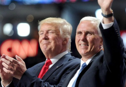 Donald Trump con Mike Pence (LaPresse)