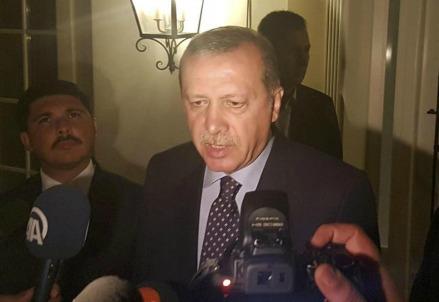 Recep Tayyip Erdogan parla ai media (LaPresse)