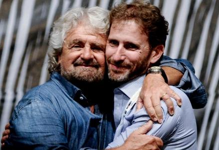 Beppe Grillo con Davide Casaleggio (LaPresse)