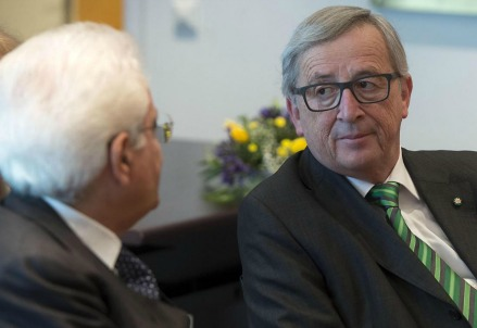Sergio Mattarella con Jean-Claude Juncker (LaPresse)