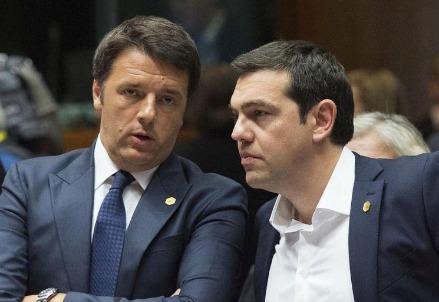 Matteo Renzi con Alexis Tsipras (LaPresse)