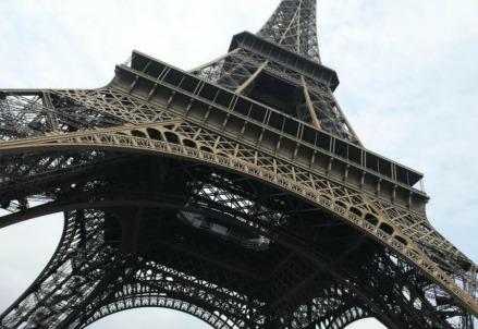 LaTorre Eiffel a Parigi, un simbolo del positivismo (LaPresse)