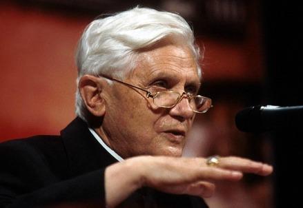 Joseph Ratzinger nel 2000 (LaPresse)