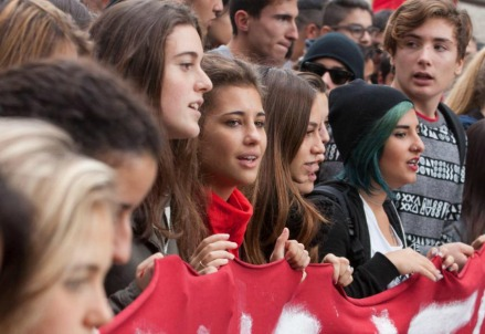Studenti in protesta (LaPresse)