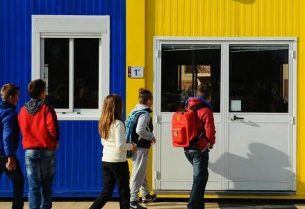 Moduli adibiti a scuola dopo il sisma di agosto (LaPresse)