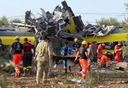 Incidente ferroviario in Puglia (Foto: LaPresse)