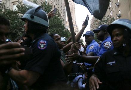 Corte anti-violenze polizia Usa (Foto: LaPresse)