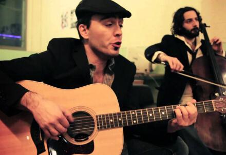 Hamid Grandi (alla chitarra)