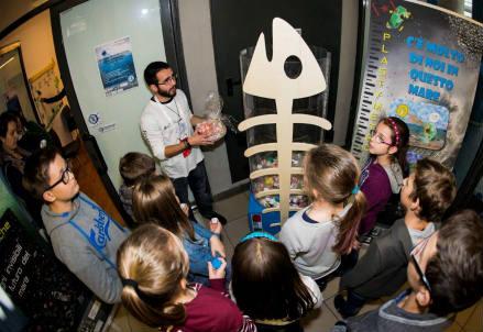 Il laboratorio didattico al Festival della Scienza di Genova (credit: Sergio Maggio – ISMAR)
