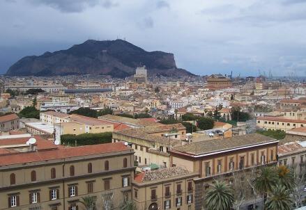 Palermo (Foto Archipenzolo, da Wikipedia)