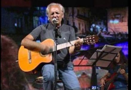 Carlo D'Angiò / È morto il cantante folk della Musicanova: Napoli perde un'altra colonna (oggi, 6 settembre 2016)